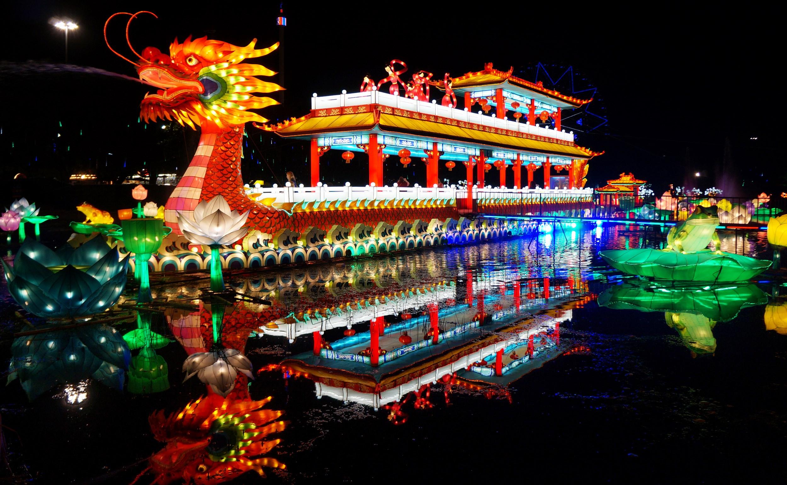 bellingrath garden oriental dragon christmas lights | Tradish - The Lantern Festival: China